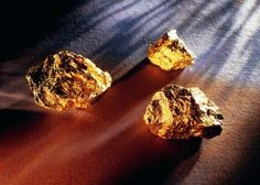 How to Test for Real Gold Using Nitric Acid