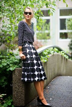 The Classy Cubicle makes a summer statement in Banana Republic x Marimekko. Shorter skirt- great look!