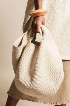 Lauren Manoogian - Natural Crochet Bowl Bag - Crochet and Knitting Patterns Crochet Bowl, Knit Crochet, Crochet Summer, Cotton Crochet, Fashion Bags, Womens Fashion, Crochet Handbags, Summer Bags, Knitted Bags