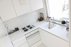 this clean of a kitchen exists only in my dreams. and at time of the aquarius