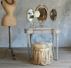 Antique French Victorian Vanity, Stool & Tri Fold Mirror Roses .... This is all I want. Simple and quaint. My mannequin would accent beautifully....