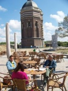 Paviljoen Onder de watertoren - Scheveningen.   Rustpunt tijdens fietstocht Meijendel