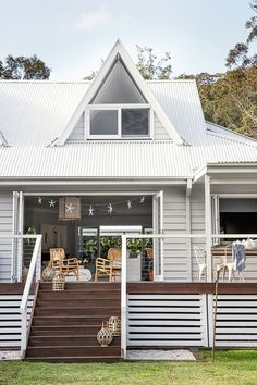 Deck Skirting Ideas - Search photos of Deck Skirting. Locate concepts as well as ideas for Deck Skirting to add to your personal house. House Skirting, Deck Skirting, Style At Home, Weatherboard House, Queenslander, Deck Design, House Design, Landscape Design, Casa Patio
