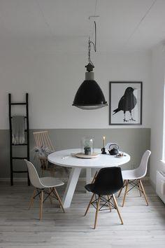 huisjeaandehaven, eettafel, rhonda, woood, ronde eettafel, rond, tafel, scandinacisch, wonen, eames, kwantum, industrial