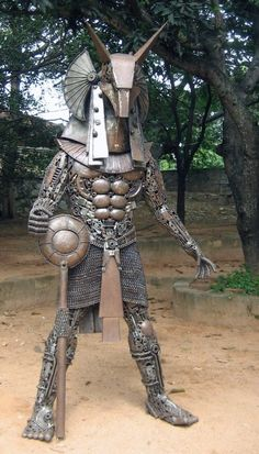 can't imagine how many hours this one took #Sculpture #Metal #Work #Scrap #Alien #Predator #Yaujta