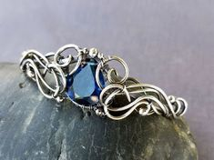 Beautiful Wire Wrapped Bangle Tutorial with a Single Focal