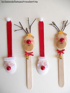 Altro lavoro per abbellire la tavola di Natale, sicuramente più divertente di quello fatto con le pigne.   Ho pitturato i cucchia...