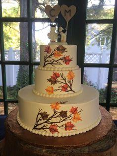 Beautiful fall wedding cake .