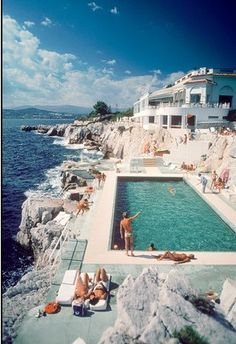 St. Tropez, Eden-Roc Pool by Slim Aarons on Getty Images #freedomlifestyle #freedompreneur www.yourbizinabox.info