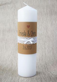 """Traukerze mit Motiv """"vintage-wedding"""" Auf der Kerze ist Platz für Eure Name und das Hochzeitsdatum, auch ein Trauspruch findet auf der Seite der Kerze noch Platz. Auf das Kraftpapier wird einen..."""