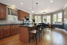 Traditional Medium Wood-Cherry Kitchen Cabinets #66 (Kitchen-Design-Ideas.org)