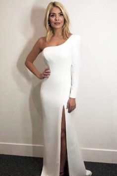 Holly Willoughby outfit white one shoulder gown Dancing on Ice January 2018 Holly Willoughby Hair, Holly Willoughby Outfits, Cocktail Outfit, Ice Dresses, Sexy Dresses, Revealing Dresses, White Gowns, White Dress, Skirt Mini