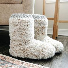 Women's Slippers, Crochet Slippers, Crochet Yarn, Crotchet, Shoe Pattern, Pattern Design, Booth, Winter Christmas, Xmas