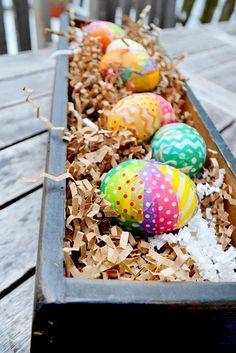ovos coloridos com papel