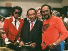 C'est par l'intermédiaire de leur producteur commun, Quincy Jones, que Michael Jackson rencontre une de ses idoles, Frank Sinatra, en avril...