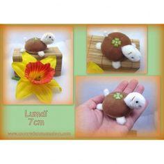 Lumaï tortue miniature 7cm - unoursdansmamaison.com http://unoursdansmamaison.com/luma-tortue-miniature-7cm-f100904.html