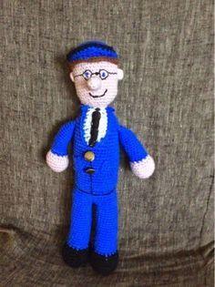 For enden af regnbuen: Postmand Per adventskalender # 1 Crochet Art, Crochet Toys, Crochet Patterns, Human Doll, Chrochet, Minion, New Moms, Disney Characters, Fictional Characters