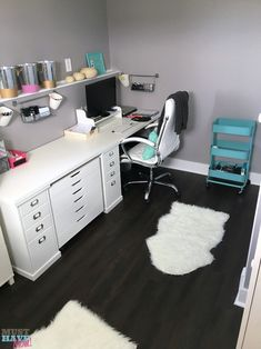 Does your home office need a decor reboot? What about an organizational overhaul? Here are 25 amazingly inspirational home offices, so you can plan your next move on your own! Tons of organizing tips and decor ideas for home offices.   home office organization ideas   organizing the home office   office organization   ideas for organizing the home office    Joyful Abode