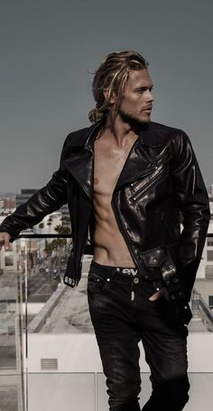 Christopher mason a good man, cute guys, leather men, biker leather, leather Men's Leather Jacket, Biker Leather, Leather Men, Short Hair Blond, Curly Hair Men, Blonde Guys, Blonde Hair, Tom Hardy Shirtless, Leather Fashion