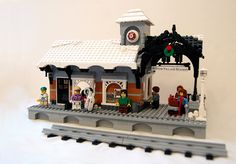 Expand the Winter Village Contest III - Winners! Lego Christmas Sets, Lego Christmas Village, Lego Winter Village, Christmas Train, Christmas Decor, Lego City, Lego Train Station, Lego Gingerbread House, Lego Trains