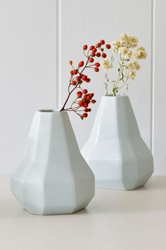 Decorate for Fall: Dried summer wild flowers in KOROMIKO's Faceted ceramic vase from renowned New Zealand painter and sculptor Gidon Bing.