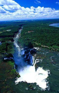 Cataratas del Iguazú http://www.southamericaperutours.com/
