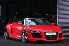Nicely tricked out Audi R8 Spyder