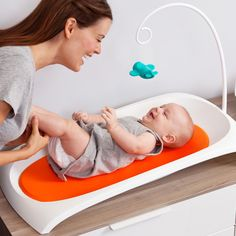 This innovative little diaper station isn't your average changing pad. With a few smart improvements and a great new design, it manages to make changing your baby's diaper a relative breeze.