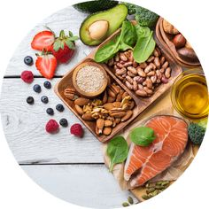 your diet and your rosacea - foods to eat and foods to avoid Easy Healthy Dinners, Healthy Dinner Recipes, Diet Recipes, Diet Drinks, Diet Snacks, Anti Cholesterol, Healthy Food Delivery, Foods To Avoid, Nutrition Guide