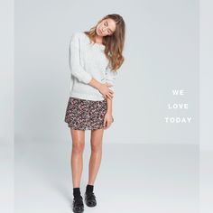 #light #grey #gris #sweater #floral #midi #skirt #falda #okeysi  Disponible en tiendas. Now in stores.