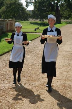Food Budgeting Tips Waitress Outfit, Dowager Countess, Dark Creatures, Maid Uniform, Haunted Hotel, The Bonnie, French Maid, Sissy Maid, Aprons Vintage