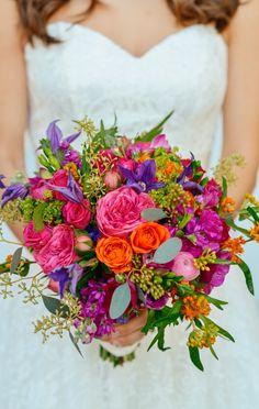 Bouquet de mariée rose fuschia et violet