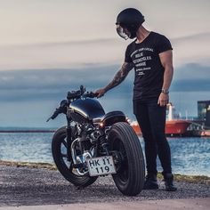 Vintage, expert, standard and Vintage Motorcycles - We will sell motorbike of a new amazing kind! Cg 125 Cafe Racer, Estilo Cafe Racer, Cafe Racer Honda, Cafe Racer Bikes, Cafe Racer Motorcycle, Motorcycle Outfit, Motorcycle Fashion, Motorcycle Garage, Vintage Motorcycles