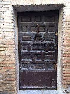 Garage Doors, Windows, Outdoor Decor, Home Decor, Homemade Home Decor, Decoration Home, Window, Ramen, Interior Decorating