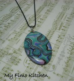 My Fimo KItchen faux abalone tutorial. (See photo stream) - polymer clay Polymer Clay Pendant, Fimo Clay, Polymer Clay Projects, Polymer Clay Creations, Polymer Clay Art, Polymer Clay Jewelry, Zentangle, Faux Stone, Sculpture Clay