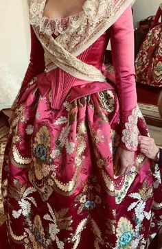 18th Century Dress, 18th Century Clothing, 18th Century Fashion, Vintage Gowns, Vintage Outfits, Rococo Dress, Pink Dress, Dress Up, Muslim Dress