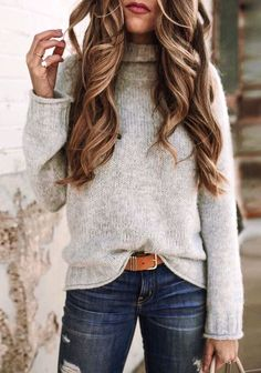 gray turtle-neck sweater and blue distress bottoms Stylish Winter Outfits, Fall Winter Outfits, Autumn Winter Fashion, Casual Outfits, Cute Outfits, Winter Style, Casual Winter, Winter Clothes, Spring Outfits Women Over 30