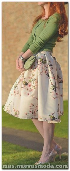 Cherry blossom skirt 🍒 Love circle skirts and retro fashions. Mode Outfits, Skirt Outfits, Dress Skirt, Dress Up, Full Skirt Outfit, Skater Skirt, Modest Fashion, Love Fashion, Womens Fashion