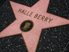 Hollywood Walk Of Fame, La With Kids, Los Angeles Wallpaper, Los Angeles Vacation, Hale Berry, California Vacation, Famous Stars, Halle, First Time