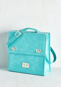 Vinyl Decision Record Case. Keep your precious pressings safe and stylish in this aquamarine case! #blue #modcloth