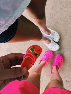 pinterest @frnchfrye Cute Shoes, Me Too Shoes, Croc Charms, Pumped Up Kicks, Bff Pictures, Crocs Shoes, Girl Day, Shoe Game, Summer Time