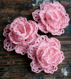 love these crocheted rosettes... More