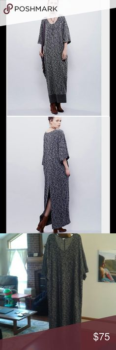 Free People Brooklyn Baby Tunic Dress Sz M, Oversized fit. Like new condition. This baby will take you from day to night to bedtime (the softness level is off the charts for this one). Great for the chilly  months ahead!! Feel free to shoot me an offer! Free People Dresses