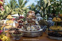 Bolo de Casamento Wedding Cake Casamento Em búzios Casamento Espelho das Águas Búzios Fabio Ferreira Fotografia #CasamentoEmBúzios #BoloDeCasamento #DestinationWedding #BeachWedding