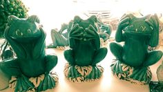 A photo i took of do no evil frogs at the Tuesday Morning shop this Sunday morning.