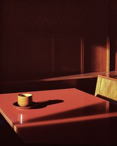 In thirteen series of images, thirteen different photographers channel the genius of David Lynch, exposing the ominous in the innocuous Color Photography, Film Photography, Street Photography, Modern Photography, Cinematic Lighting, William Eggleston, David Lynch, Twin Peaks, Vintage Colors