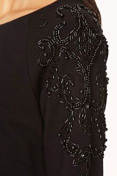 Forever 21 Fancy Beaded Sweatshirt in Black Hand Embroidery Dress, Tambour Embroidery, Floral Embroidery Patterns, Hand Embroidery Videos, Couture Embroidery, Silk Ribbon Embroidery, Embroidery Fashion, Hand Embroidery Designs, Look Fashion
