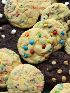 Cake Mix Cookies are an easy cookie recipe that you can mix and match cake flavors and add-ins! Mix in chocolate chips, M&Ms, sprinkles, peanut butter chips and more to your favorite cake mix flavor and get creative! Cake Mix Brownies, Chocolate Cake Mix Cookies, Carrot Cake Cookies, White Cake Mix Cookies, Crack Brownies, Tasty Cookies, Sugar Cookies, Cake Mix Recipes, Easy Cookie Recipes