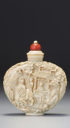 Bottle Box, Small Bottles, Vintage Bottles, Garden S, Chinoiserie, Japanese Art, Sculpture Art, Glass Art, Perfume Bottles