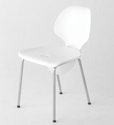 mamoris chair transforms into a safety helmet during earthquakes